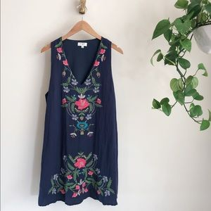 UMGEE floral embroidered dress💙